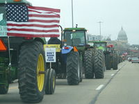 Tractorcade Approaches Capitol.JPG